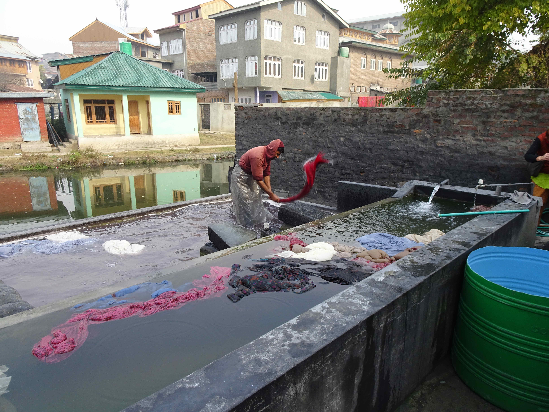 Pashmina washing after dying